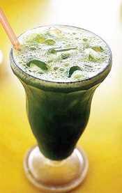 Make your own pegaga juice