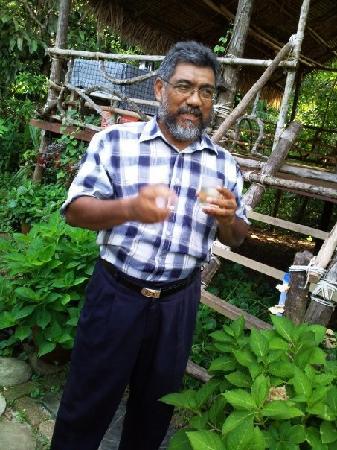 dr-ghani-botanist-herbalist-langkawi